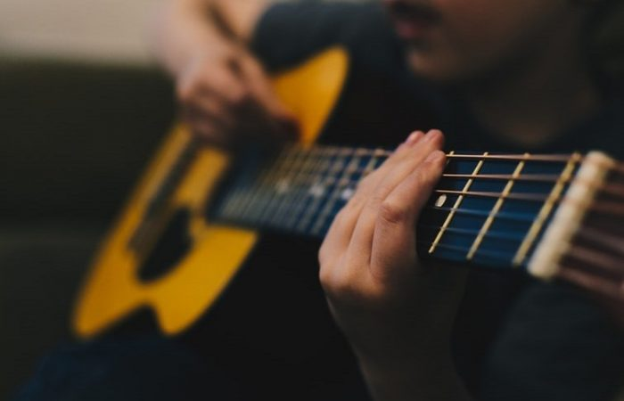 Physical Health Benefits When Playing Guitar